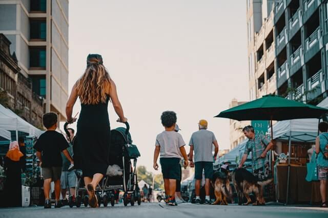 Matkustelu lasten kanssa